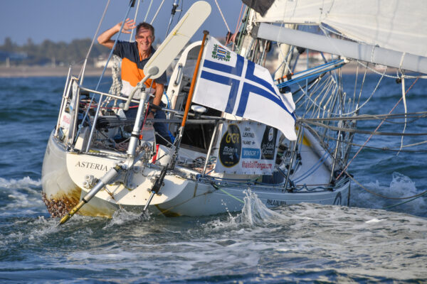 Tapio Lehtinen veneessään